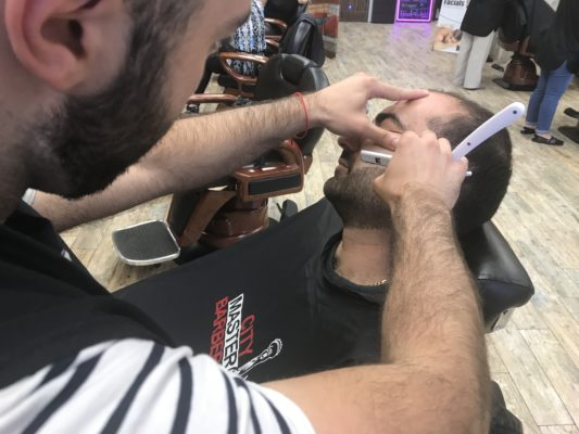 Beard Trim With a Straight-Edge Razor